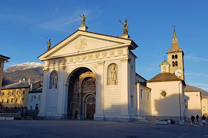 catedral de aosta fachada