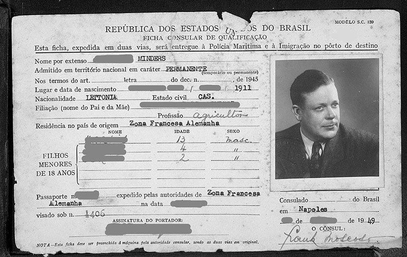 cartao de embarque imigrante letonia