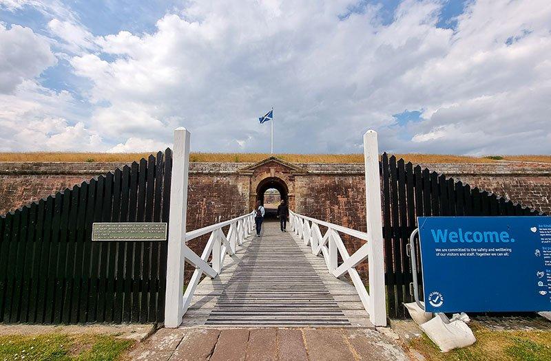 ponte levadica forte george escocia