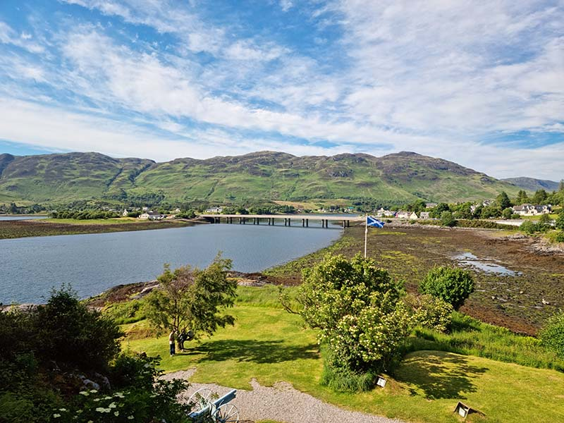 vista panoramica lago donan escocia