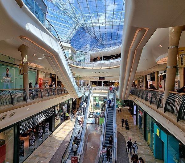 shopping center bullring