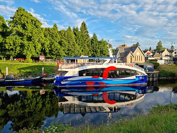 passeio de barco lago ness escócia