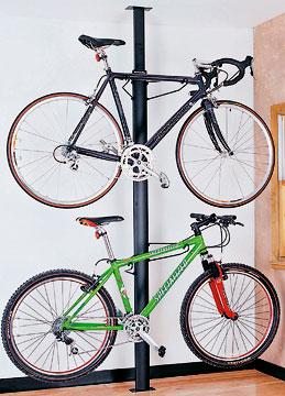 guardar a bicicleta no apartamento: poste fixo