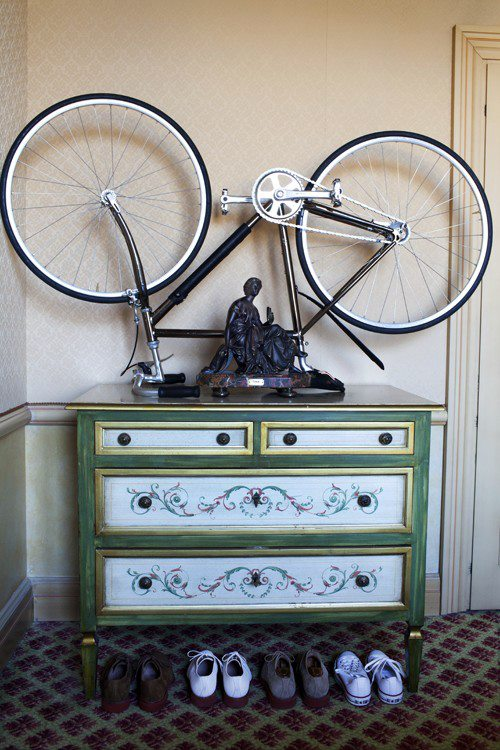 Bike e decoração: bike sobre a cômoda