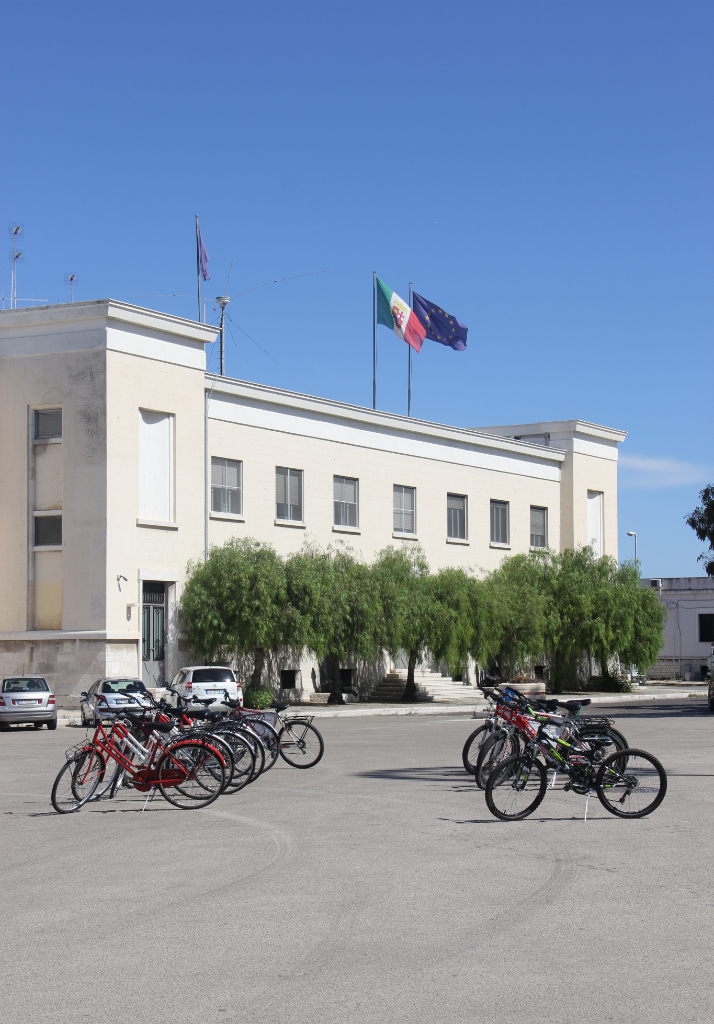 Bicicletas para alugar no porto de Bari. Foto: André Schetino.