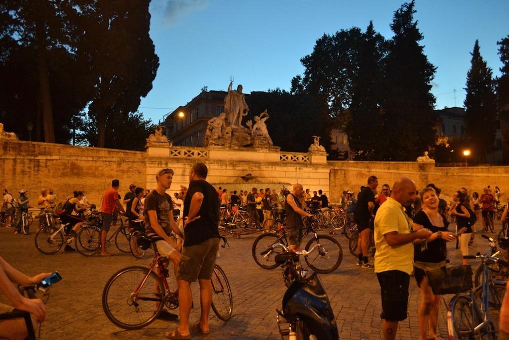 Massa Crítica de Roma. Piazza del Popolo