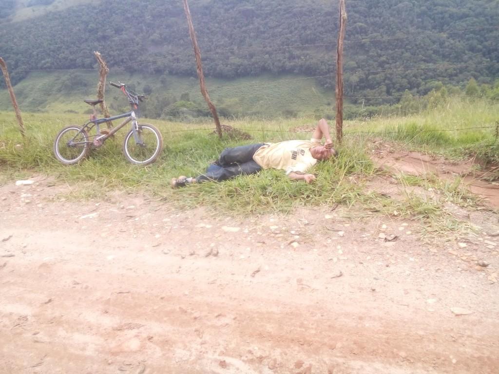 O alto do morro: o melhor lugar pra descansar. Foto: acervo pessoal Tomas Dotti.