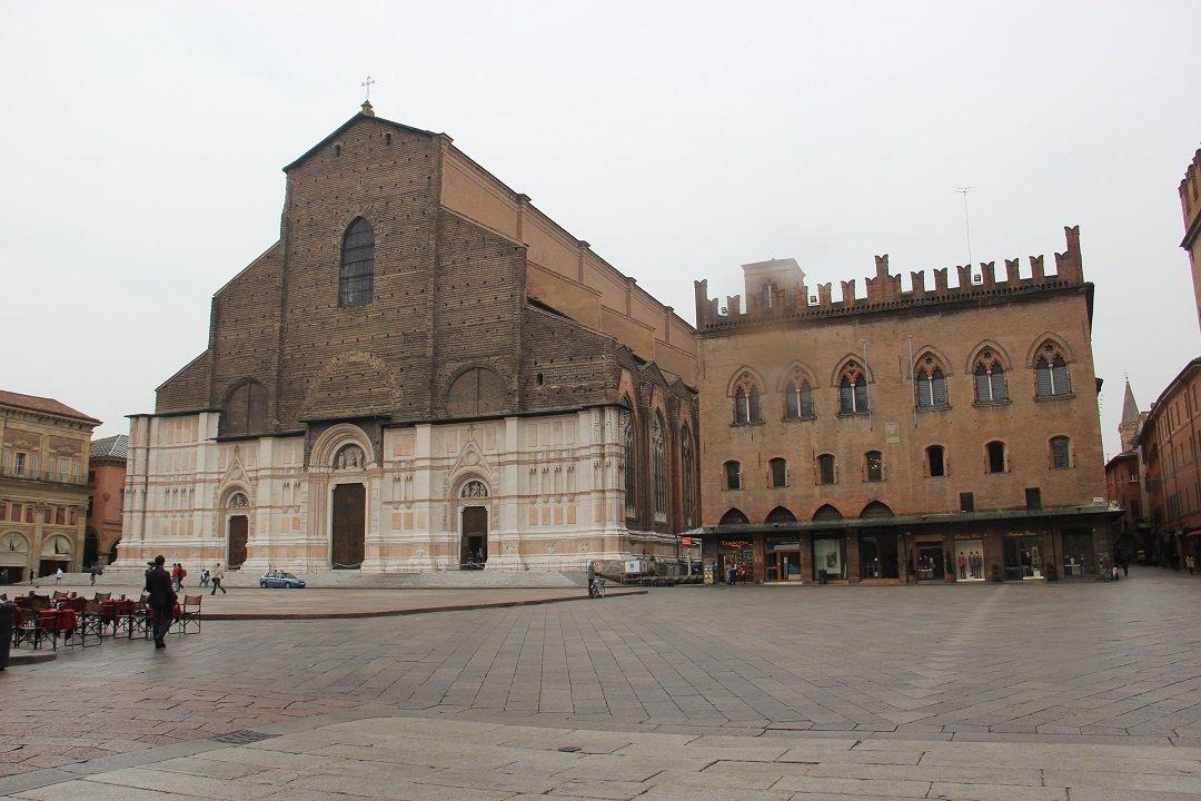Piazza Maggiore, em Bologna. Foto: André Schetino