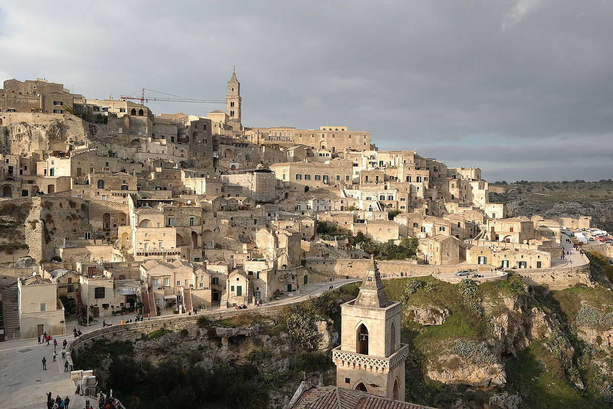 Sassi di Matera. Di Luca Aless - Opera propria, CC BY-SA 4.0, https://commons.wikimedia.org/w/index.php?curid=45529817