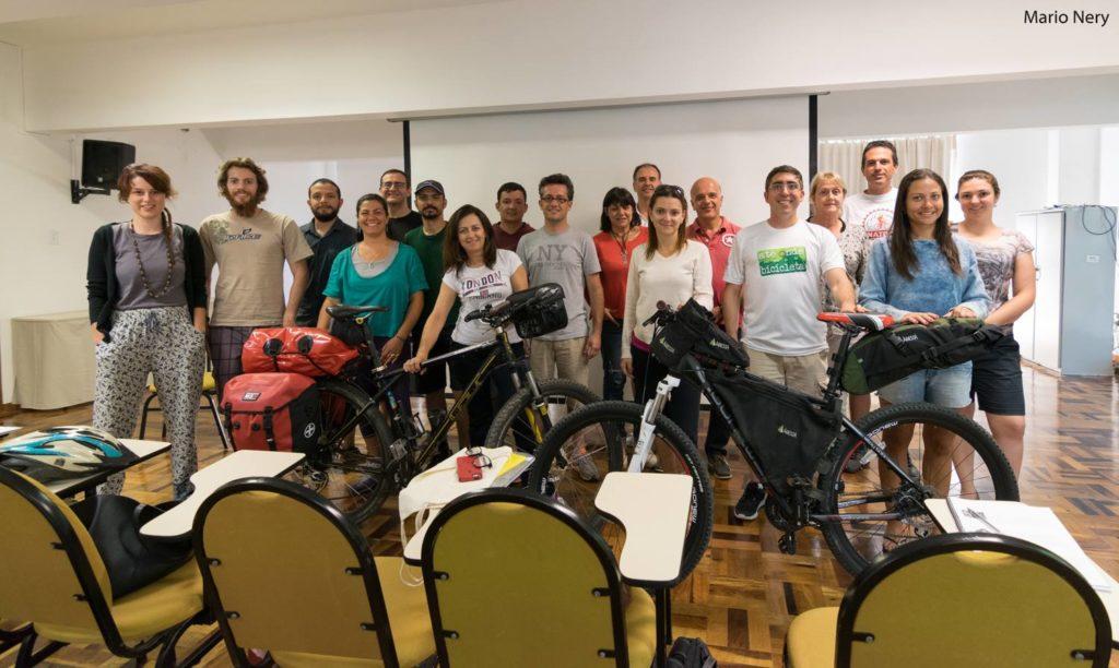 Turma do 1º Curso de Cicloturismo - Planejamento e Treinamento em Floripa. Foto: Mario Nery