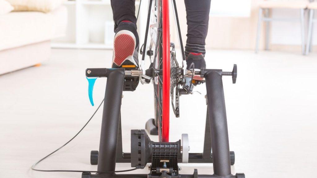 ciclismo indoor rolo de treino
