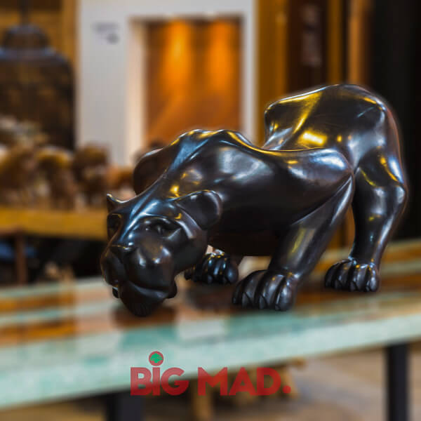 Escultura de Madeira Macica Pantera Negra
