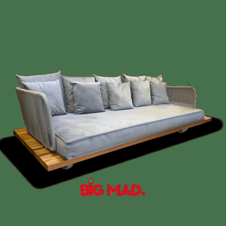 Sofa de Madeira Macica Com estofado e corda nasal