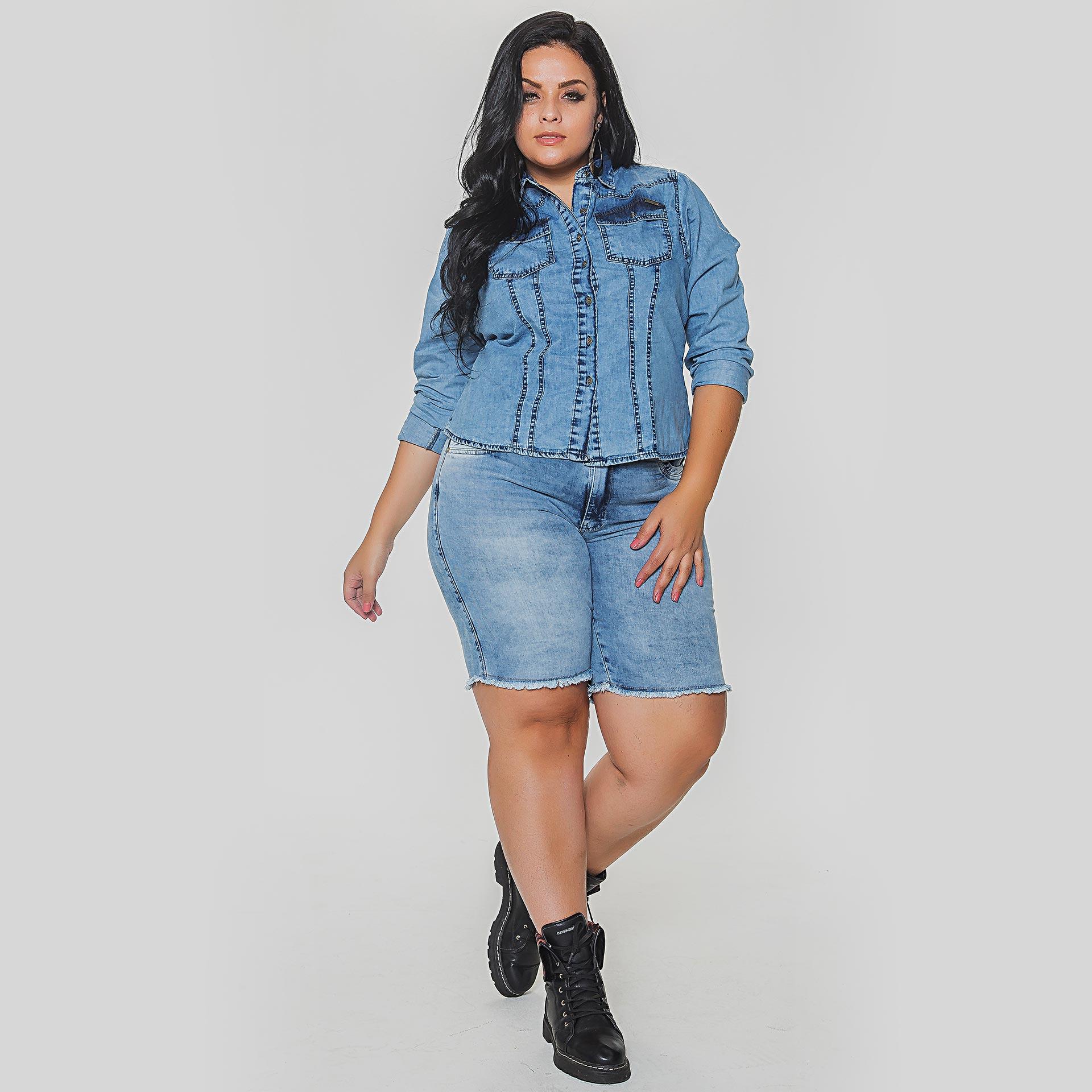 Camisa e Bermuda Jeans