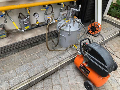 Aplicação de Resina em Tubulação de Gás