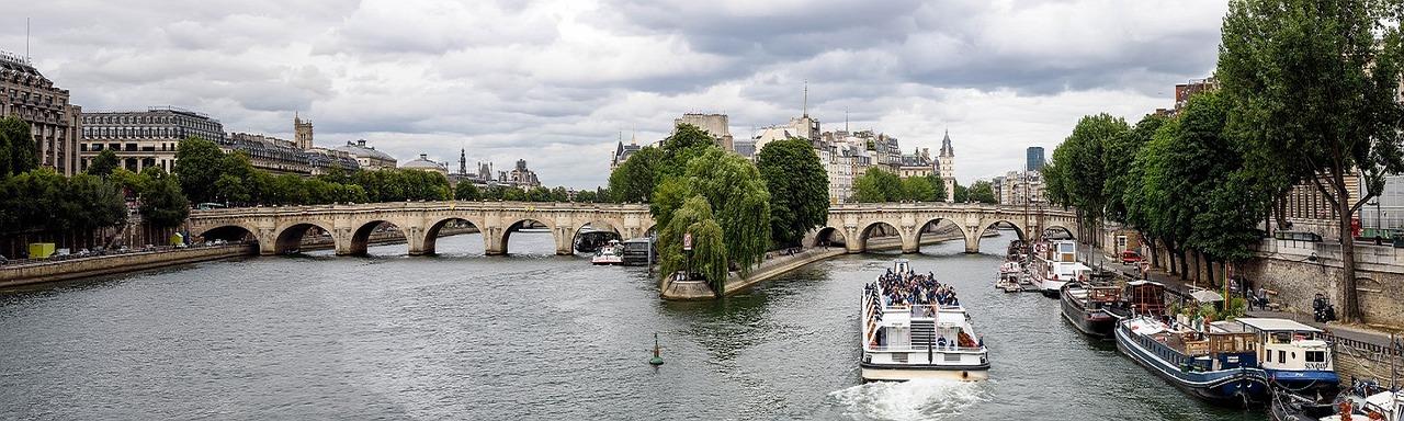 Passeio de barco pelo Rio Sena paris franca