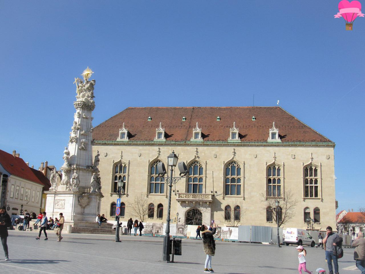holy-trinity-column-budapeste-hungria