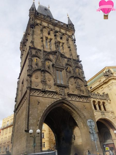 torre-polvora-casa-municipal-praga