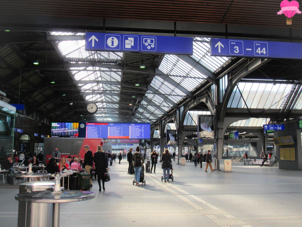 Estação-trem-hauptbahnhof-zurique-suica