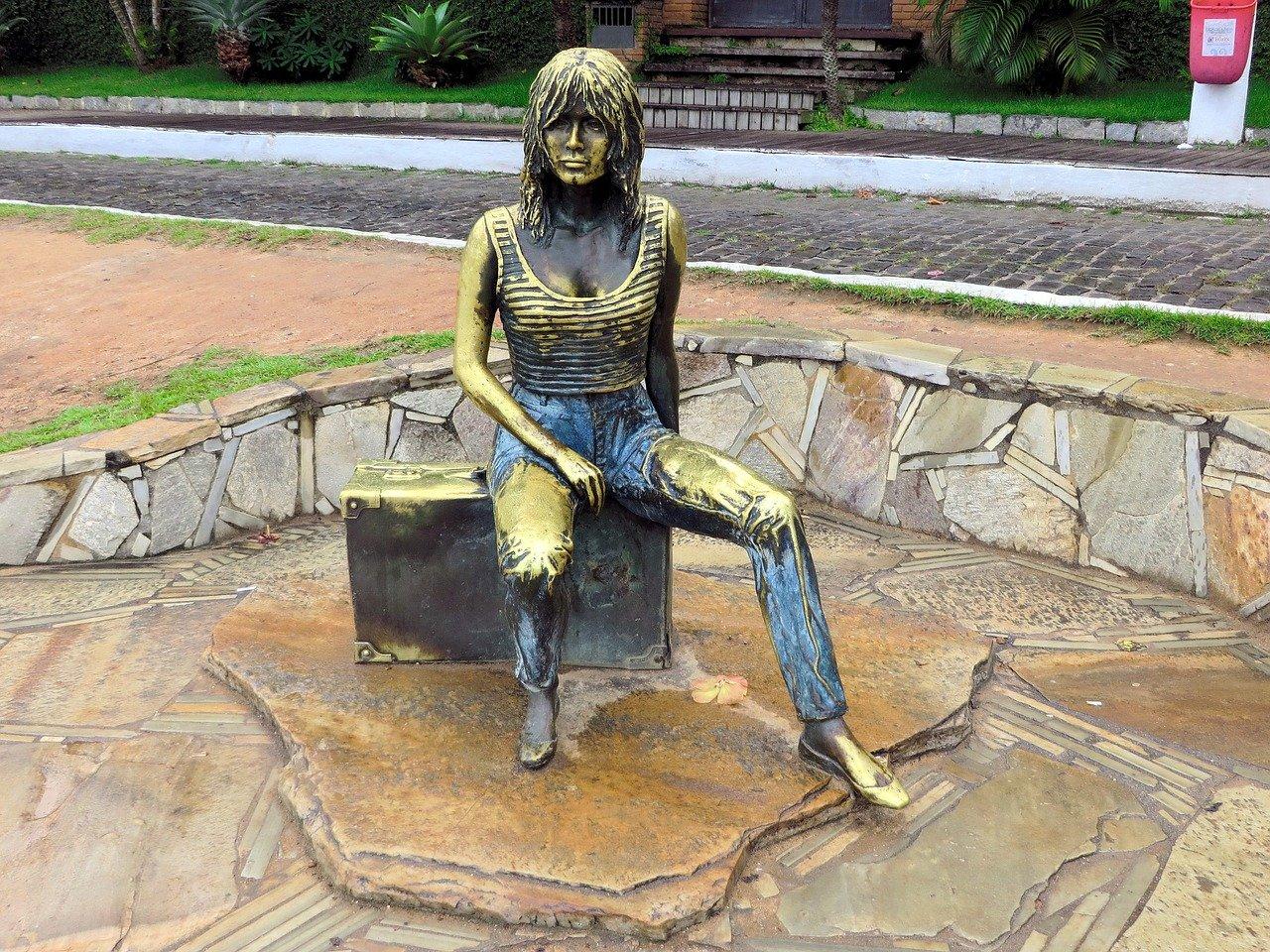 buzios-brigitte-bardot-estatua