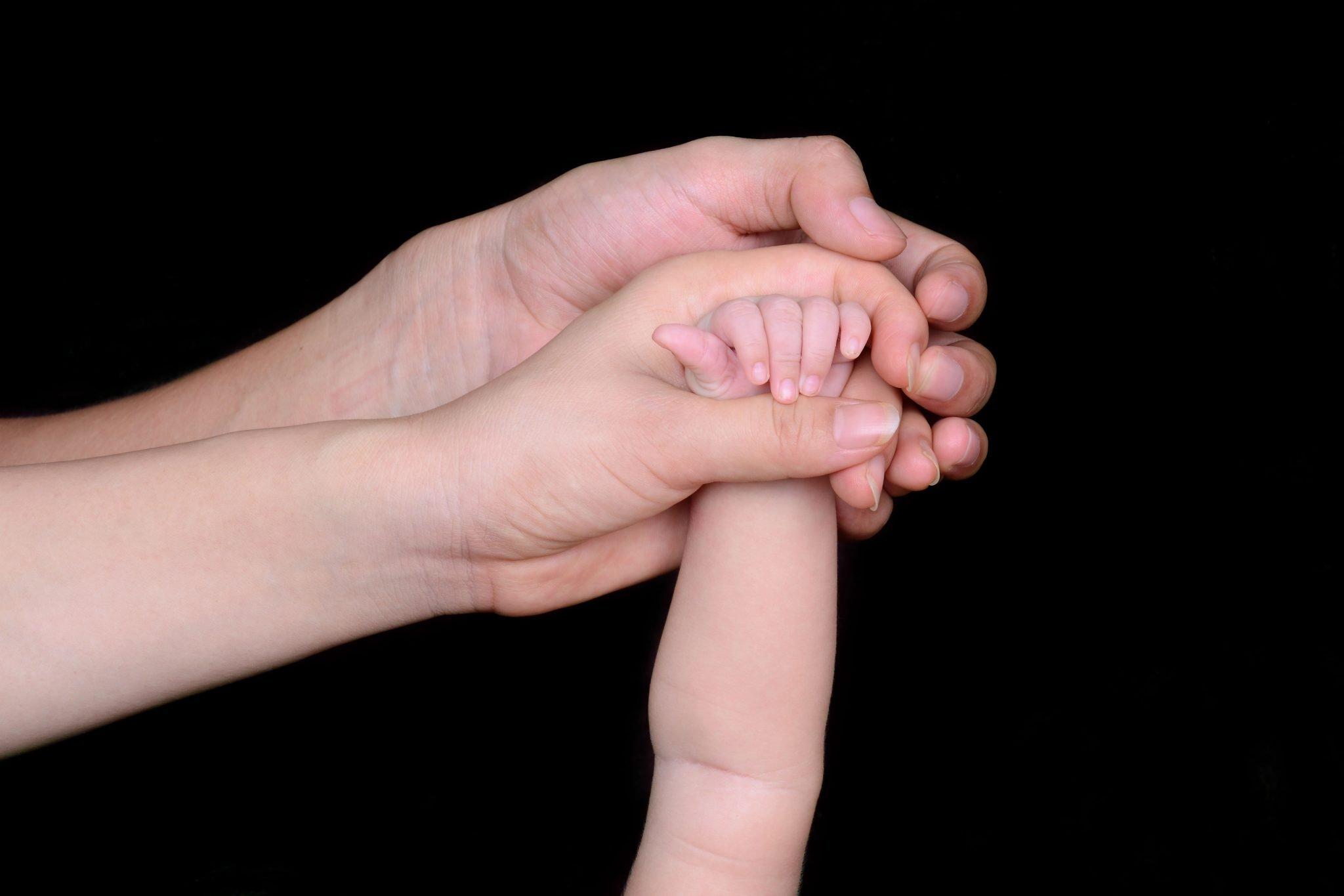 guarda compartilhada pais filhos mãos