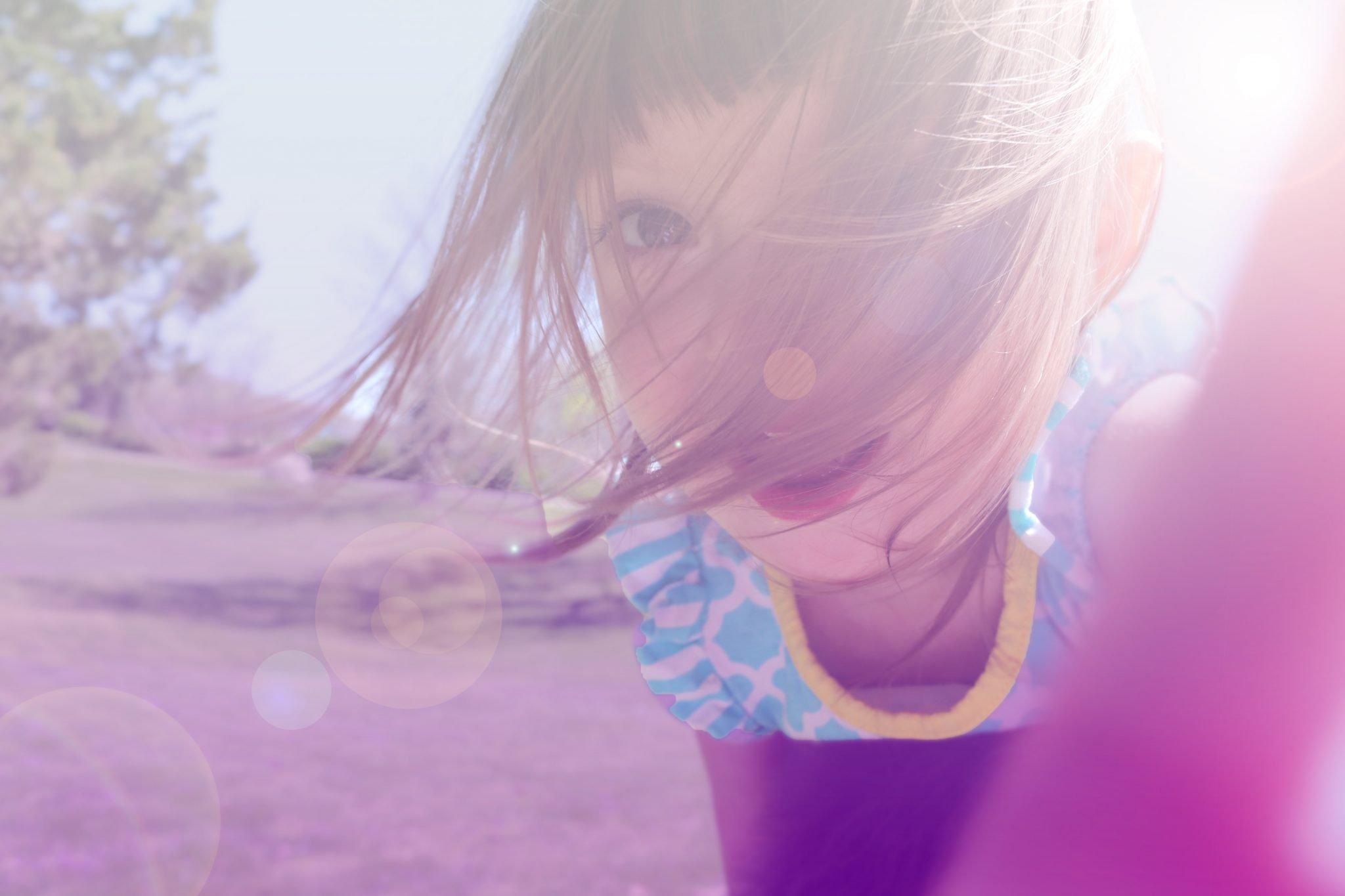 guarda filhos alternada compartilhada criança menina feliz
