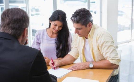 casal casamento regime bens separação total contrato assinatura pacto antenupcial