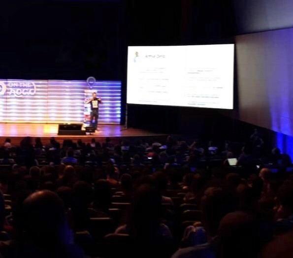 Foto da palestra do Arthur Diniz sobre liderança no RD On The Road BH