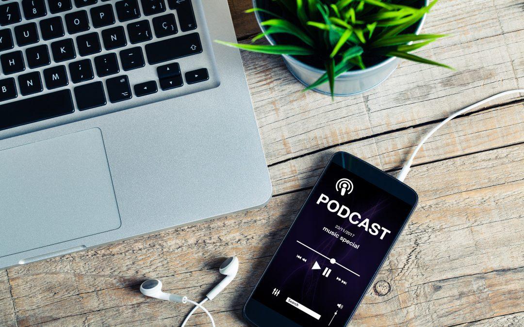 O que é podcast? Por que eles estão tão em alta atualmente?