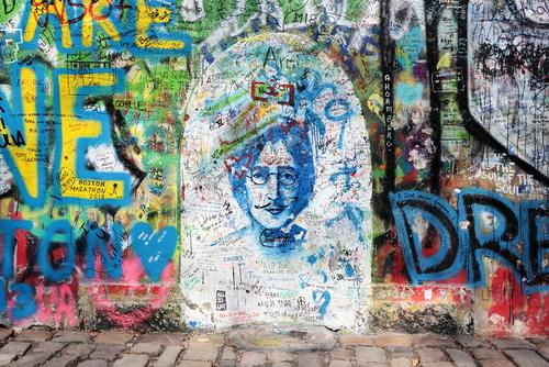 turismo musical na europa john lennon wall