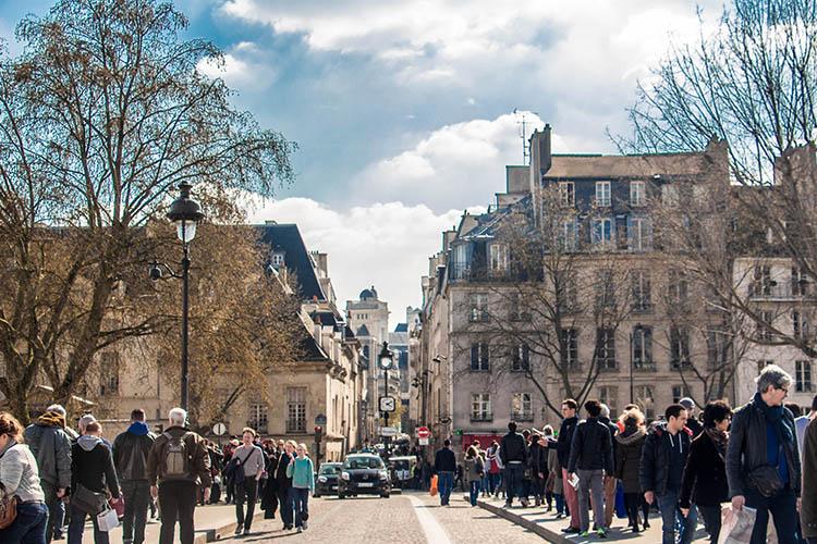 Compras em Paris  dicas para comprar bem e barato na Cidade Luz 41fa7395f4bae