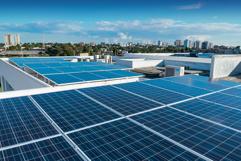 Brasil dobra número de instalações de painéis de energia solar