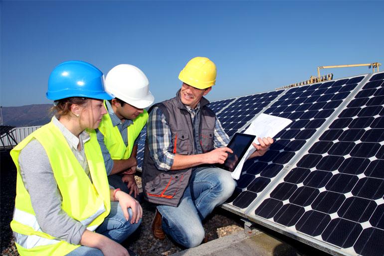 Conheça 10 vantagens  e benefícios na geração de energia solar fotovoltaica
