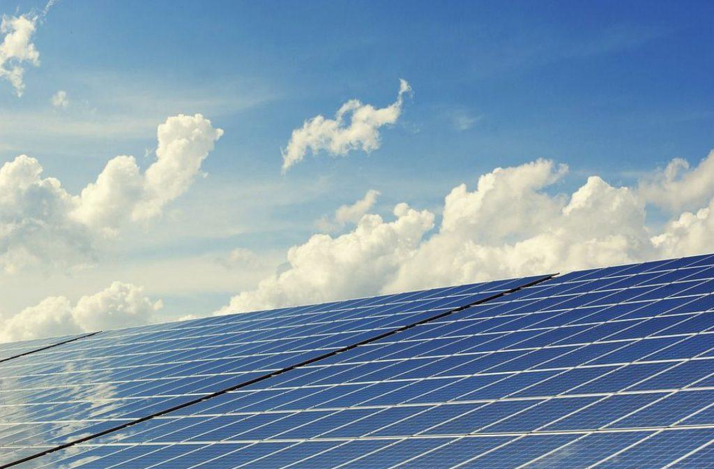 Benefícios da geração de energia solar IMAGEM