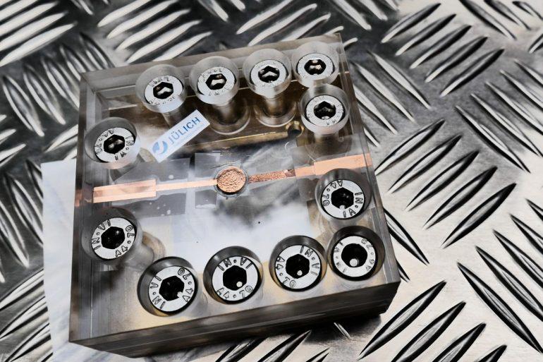 Cientistas desenvolvem baterias de carregamento rápido