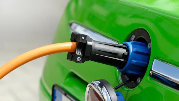 Agora é lei! Empreendimentos devem prever recarga de veículos elétricos