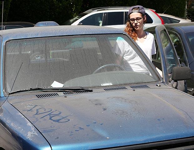 escrever na sujeira do carro em Inglês