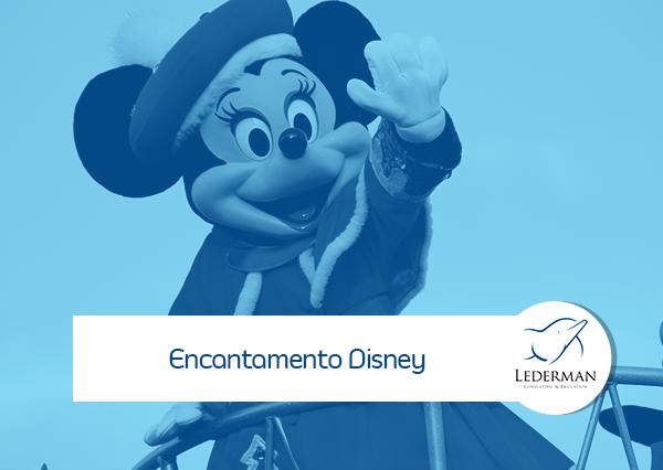 Encantamento Disney: Rodeada de alegria, o sorvete caiu no chão