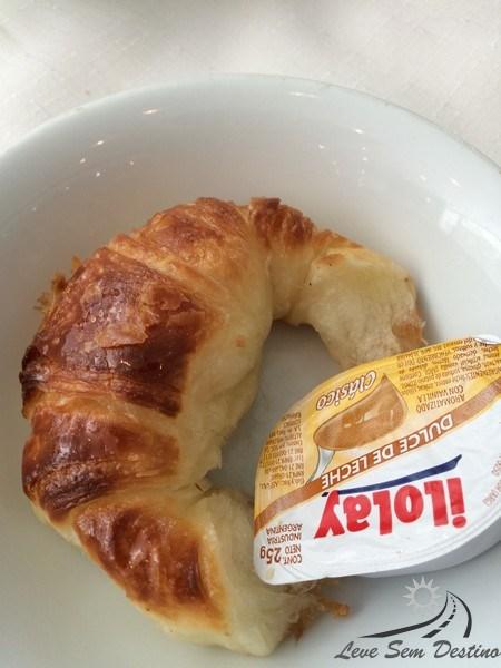 media luna - croissant - buenos aires - dulce de leche - doce de leite - argentina - hotel - cafe da manha