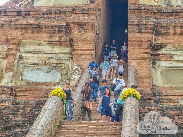 o que nao te contaram sobre a tailandia - transito - turismo exploratorio - zoologico - mulheres girafa - elefantes - poluicao - drogas - motos - piriri(2)