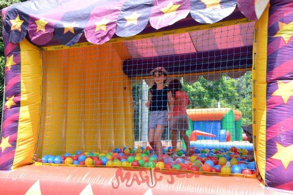 locacao-de-brinquedos-piscina-de-bolinhas-circo