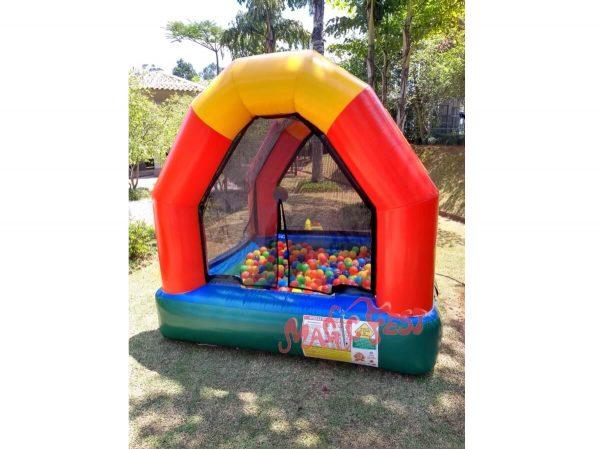 aluguel-de-brinquedos-piscina-de-bolinhas-inflável