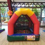 festa-infantil-piscina-de-bolinhas-inflável