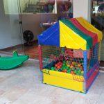 aluguel-de-brinquedos-piscina-de-bolinhas-de-bolinhas-1-1