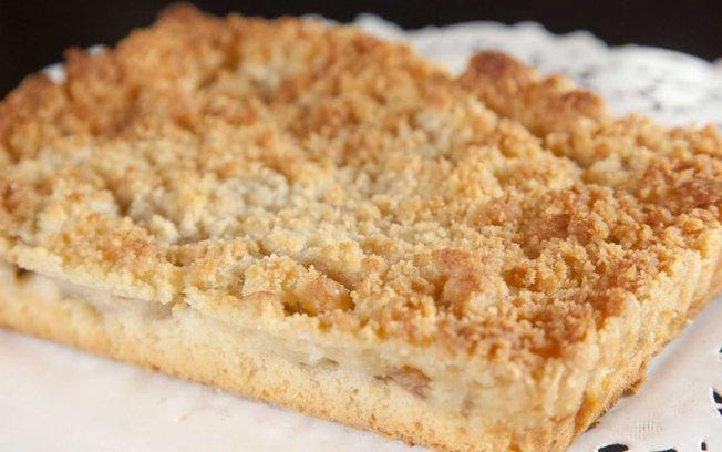Segundo os entendidos, cuca de verdade tem que ser assim, com a massa bem baixinha! Foto retirada de: http://culinaria.culturamix.com/receitas/bolo/como-fazer-bolo-cuca