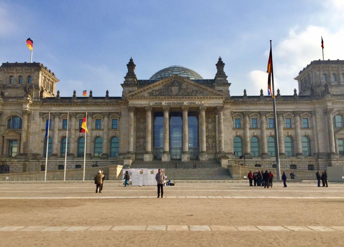 sozinhos-em-berlim-parlamento