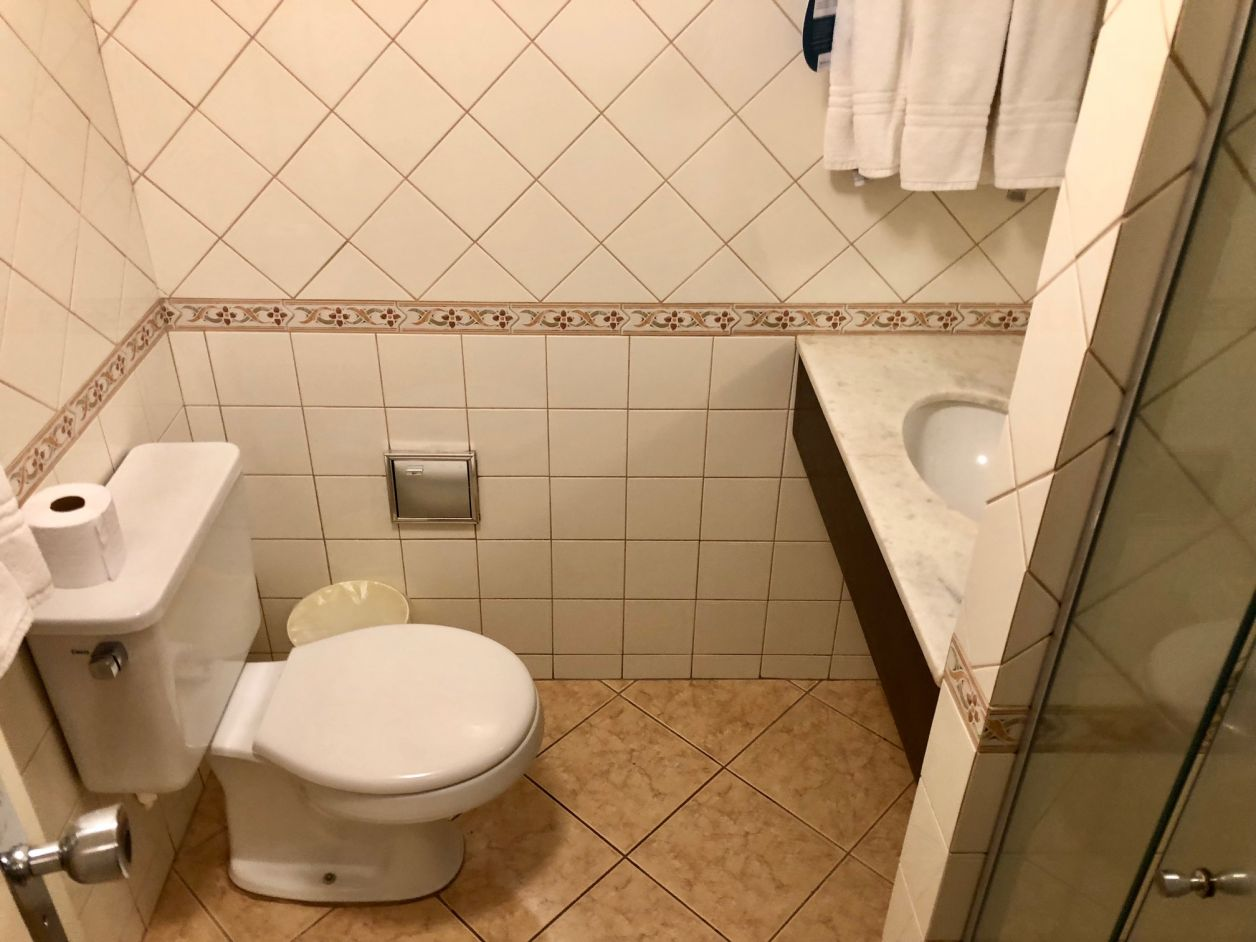 banheiro hotel em cascavel