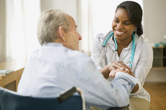 Número de clínicas de home care triplica no país
