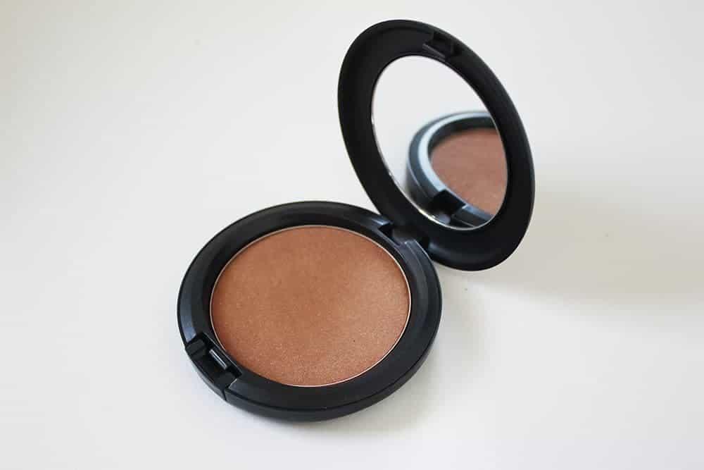 bronzingpowder-mac-hypefemme2