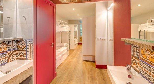 Gemerator hostel quarto 585x320 - Generator: o melhor hostel de Barcelona